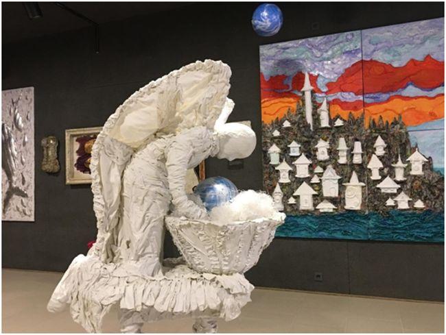 экспонат ангел над землей