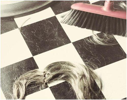 волосы на полу