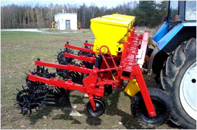 культиватор на тракторе