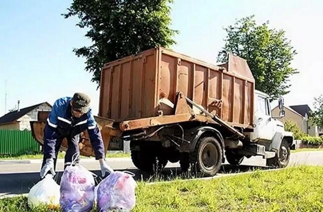 Сбор мусора в пакетах в частном секторе